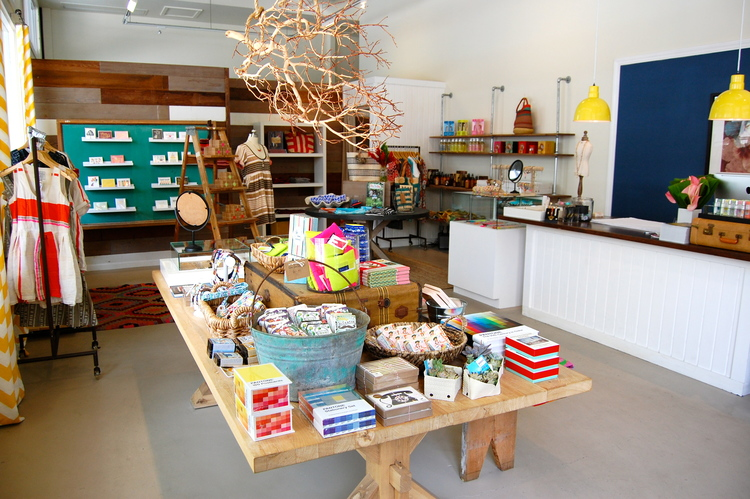 HONOLULU'S OWENS & CO., THE EDIT HAWAII GUIDE