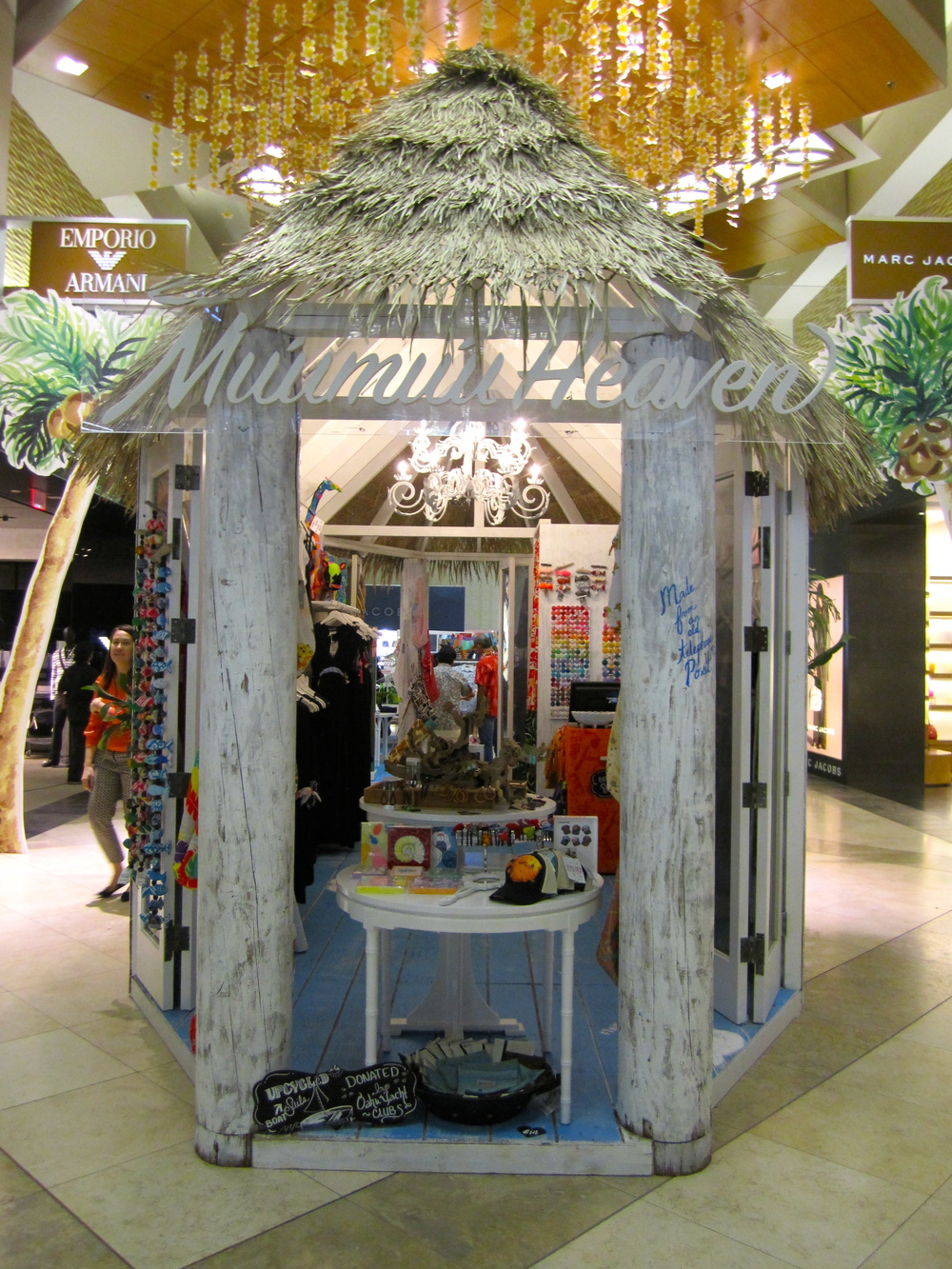 Muumuu Heaven pop up at T Galleria