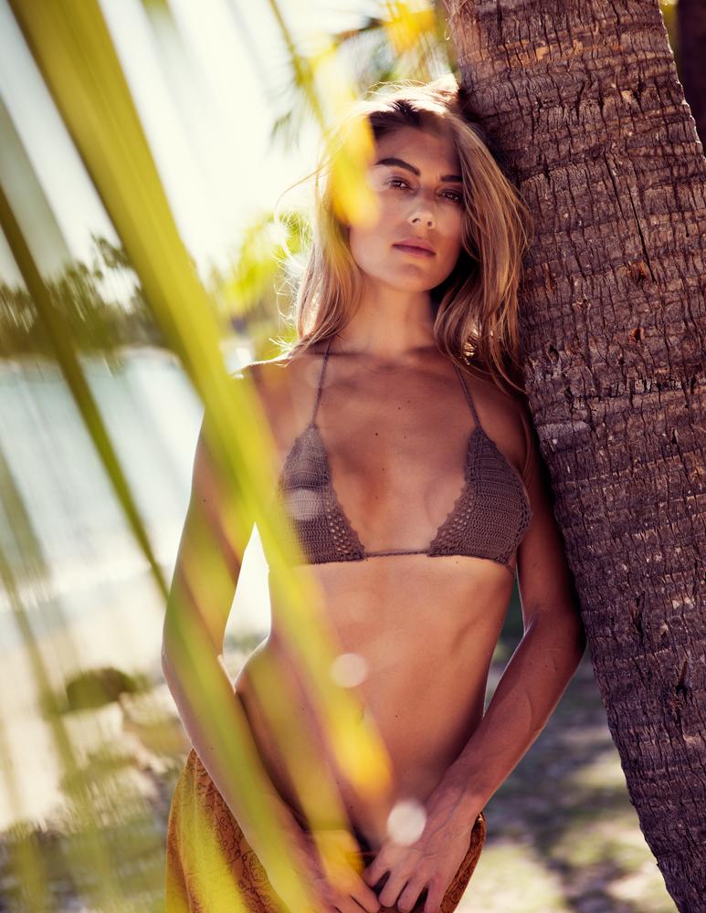 naturalbeauty-alexkate-bikini4web.jpg