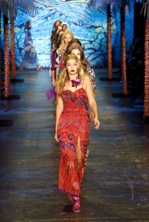 Island style at Anna Sui spring summer 2016.png