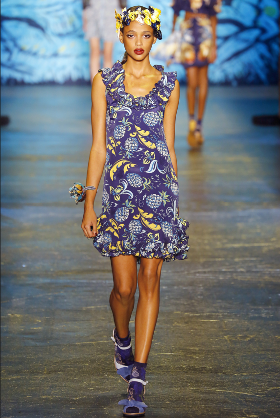 the trends, Island style at Anna Sui spring summer 2016.png