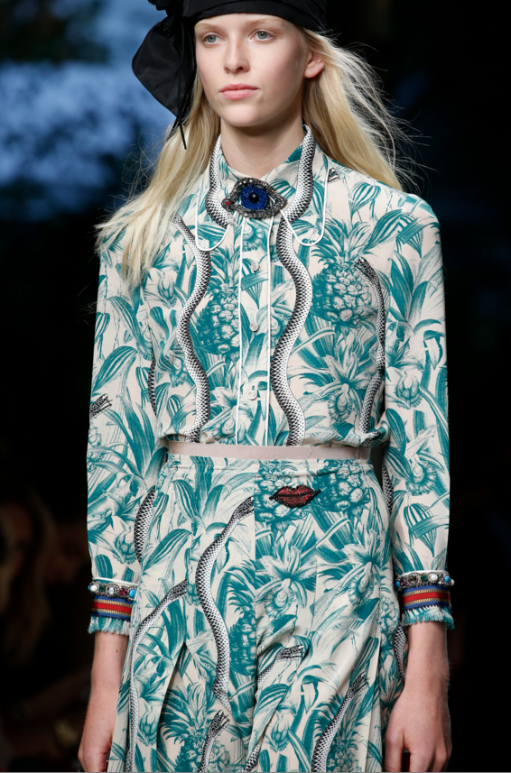 island inspired looks at Gucci, Spring Summer 2016.png