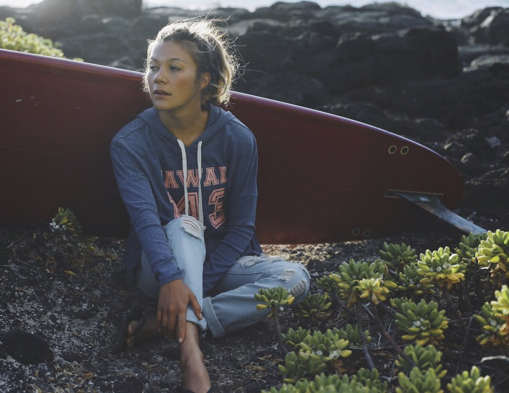 Roam Hawaii's summery, hippie vibes via their Roots collection // TheEditHawaii.com