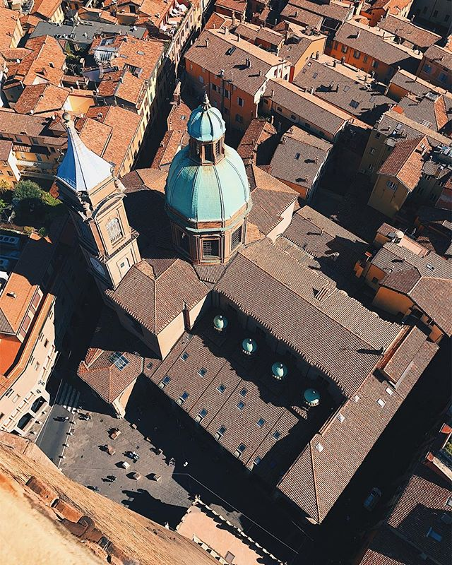 Red rooftops of Bologna 🇮🇹