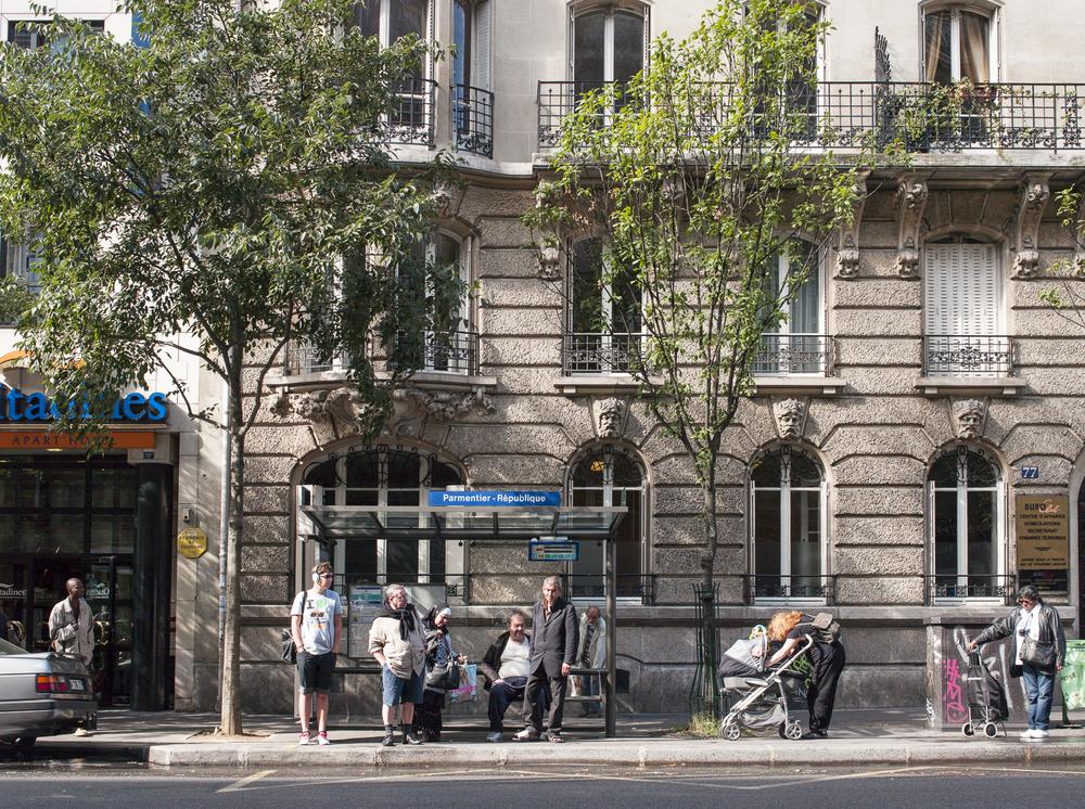 Paris_BusStops-10.jpg