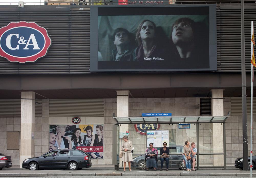Paris_BusStops-5.jpg