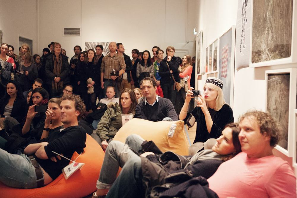 Foam-museumnacht-The-Dingo-Birds-5.jpg