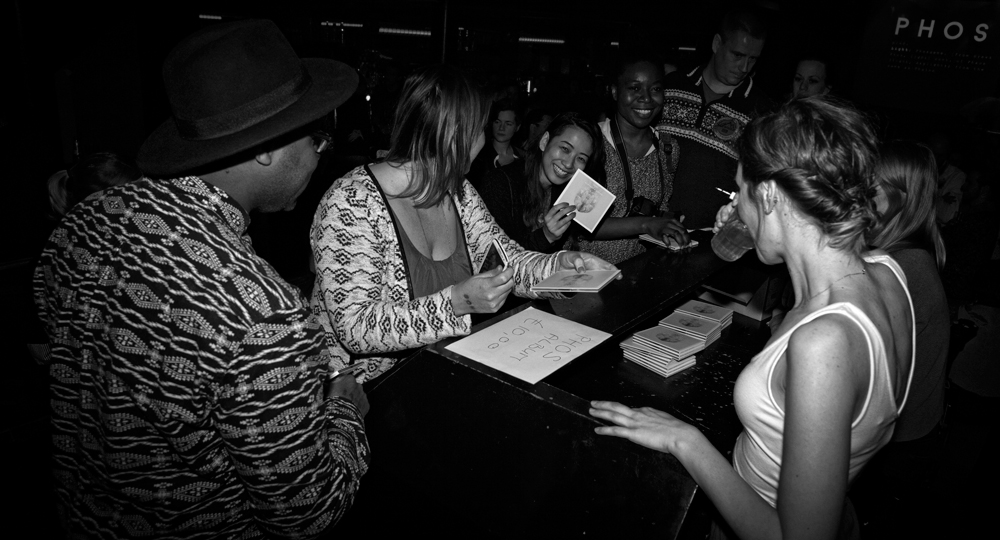 PHOS-music-Eveline-Vroonland-signing-album-Croque-Bulle-The-Wong-Janice-2.jpg