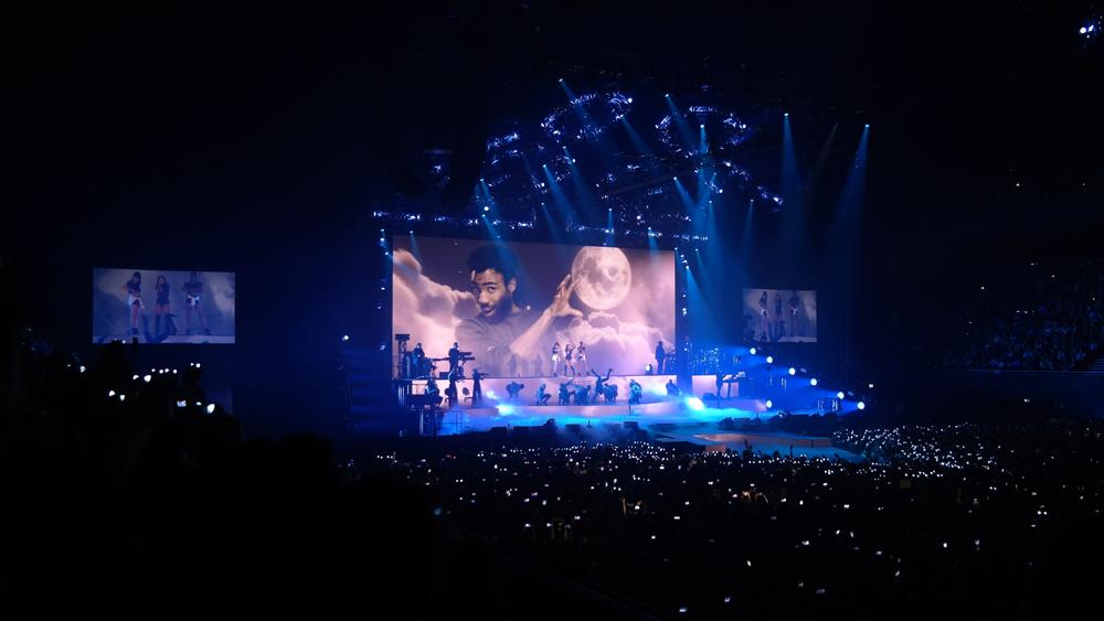 Ariana-Grande-Amsterdam-Ziggo-Dome-featuring-The-Wong-Janice.jpg