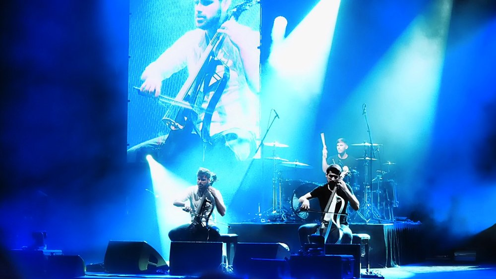 2CELLOS-Palais-Theatre-on-stage-The-Wong-Janice.jpg