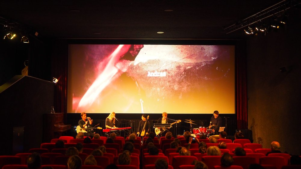 Sofia-Dragt-album-release-Louis-Hartlopper-bioscoop-Utrecht-Andras-Jonathan-Smit-The-Wong-Janice-1.JPG