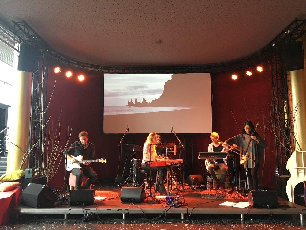 Noorderlijk-film-festival-De-Harmonie-Leeuwarden-Sofia-Dragt-The-Wong-Janice-music-producer-cellist-Amsterdam-2.jpg