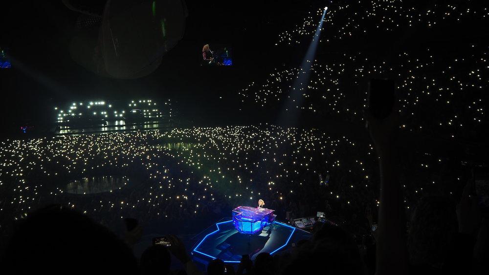 Lady-Gaga-Amsterdam-Ziggo-Dome-Joanne-Tour-The-Wong-Janice-music-producer-cellist-4.JPG
