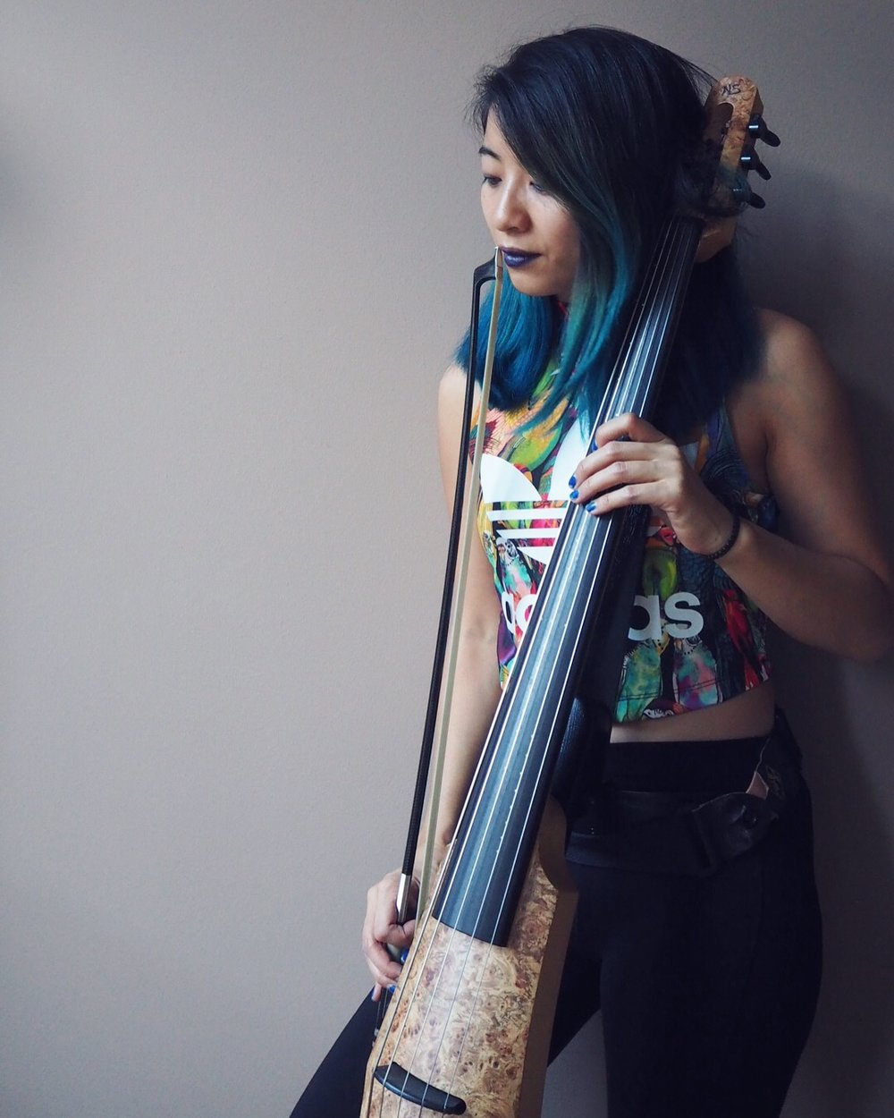 The-Wong-Janice-music-producer-electric-cellist-Amsterdam-ns-design-CR5-cello.jpg