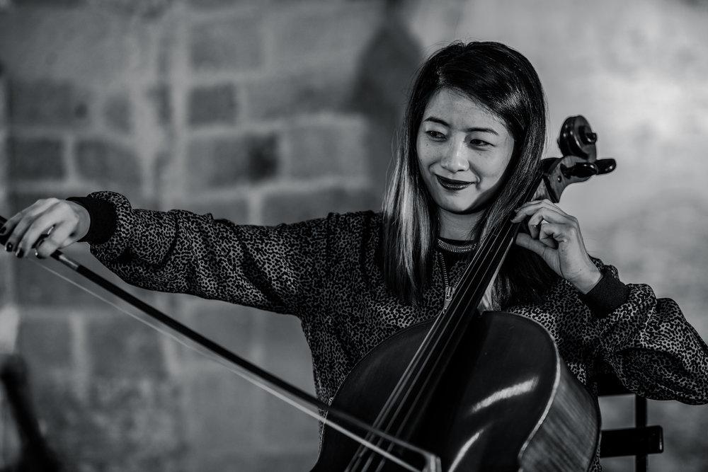 Paul-Freeman-closer-still-cellist-The-Wong-Janice-sint-nicolaaskapel-valkhofkapel-nijmegen-photo-by-marjoleinn-dutch-roamer-1.jpeg