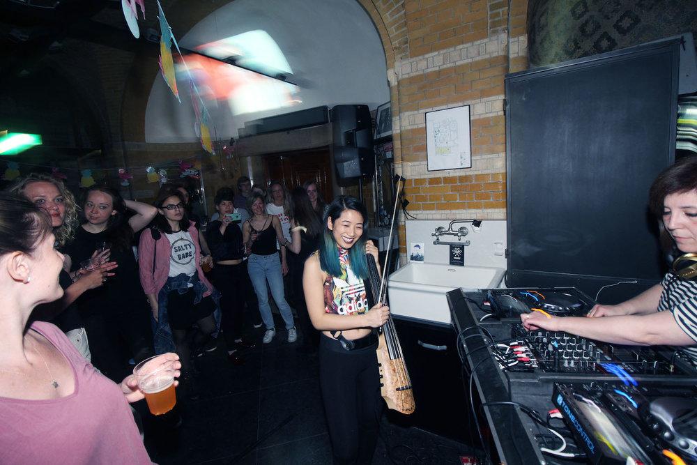 Girl-Drop-Yarrr-Cut-Throat-Amsterdam-DJ-Nata-Babaju-The-Wong-Janice-electric-cellist-music-producer-based-in-Amsterdam-3.jpg