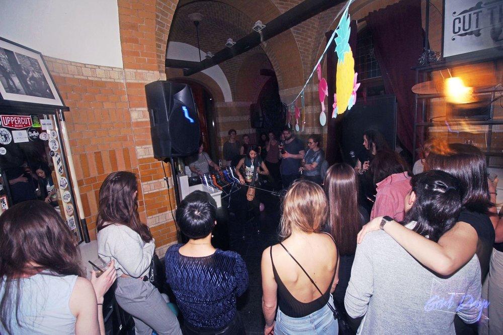 Girl-Drop-Yarrr-Cut-Throat-Amsterdam-DJ-Nata-Babaju-The-Wong-Janice-electric-cellist-music-producer-based-in-Amsterdam-4.jpg