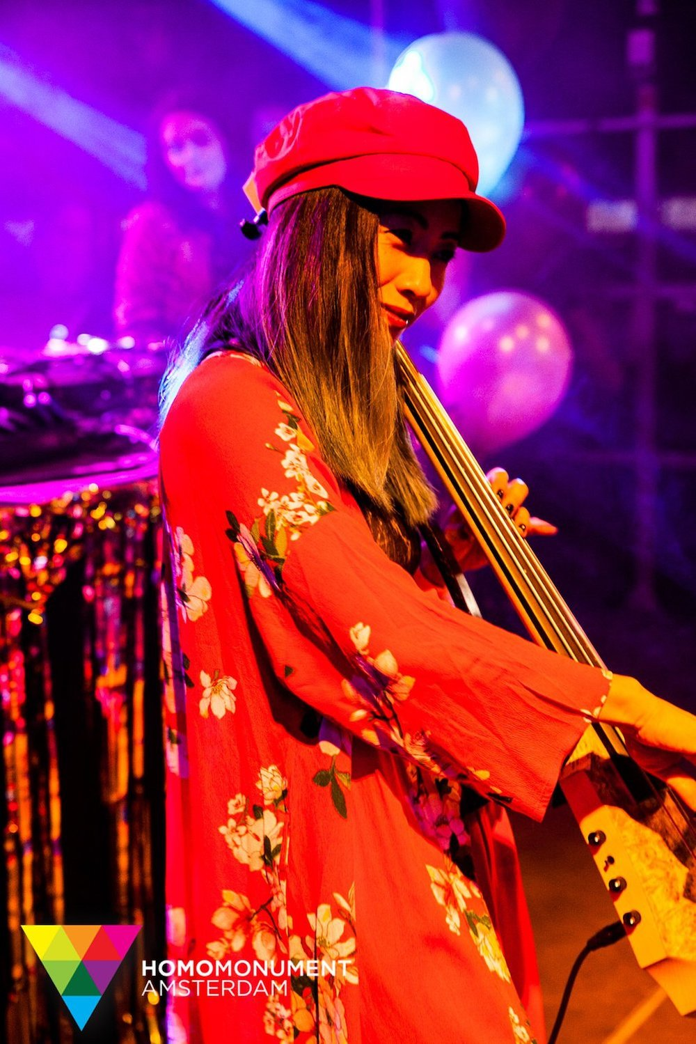 kings-night-festival-2018-homomonument-the-wong-janice-cellist-photo-by-prins-de-vos-ns-design-CR5-electric-cello-3.jpg