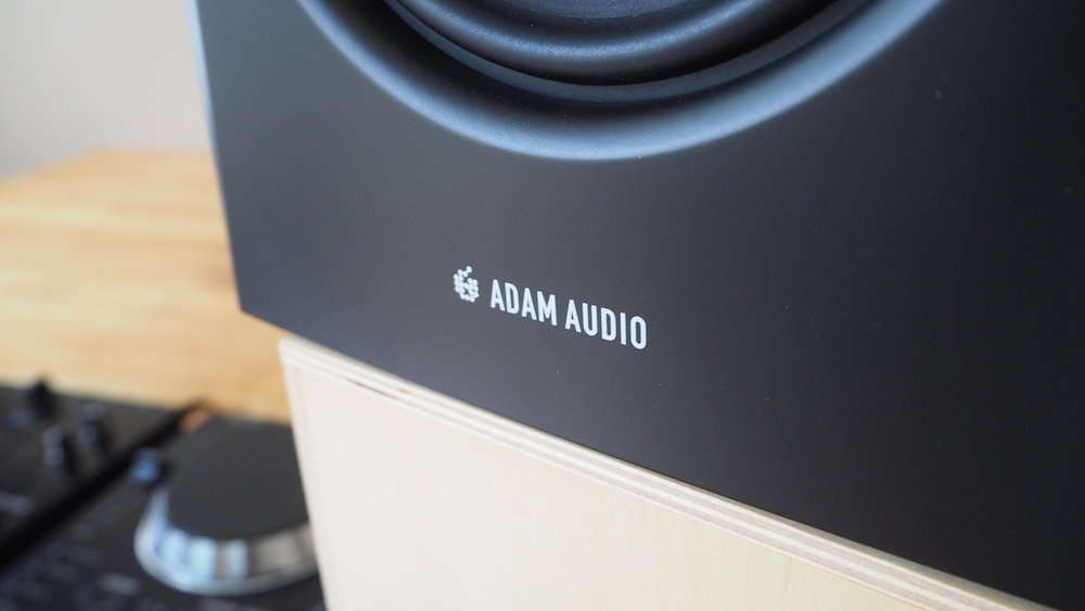 review-adam-audio-t7v-logo-the-wong-janice-cellist-music-producer-amsterdam.JPG