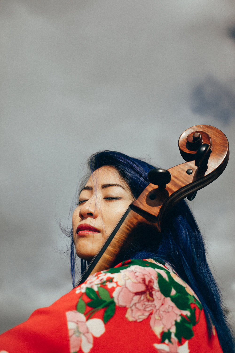 The-Wong-Janice-online-session-cellist-Amsterdam-photo-by-Hellen-Koroleva-instagram-imaginationinyou.jpg