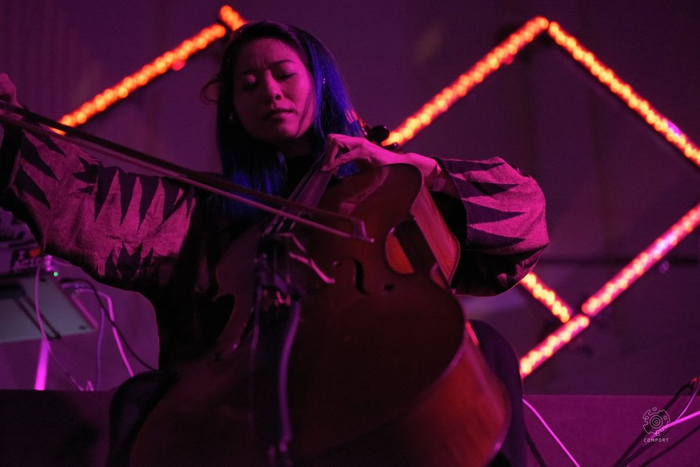 Comport-records-Multiversum-Ruigoord-The-Wong-Janice-cellist-Amsterdam-cello-music-for-meditation-photo-by-Erce-Sargin-9.jpg
