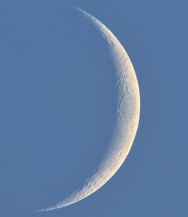Image: @mathewspaceman 11.4% full moon