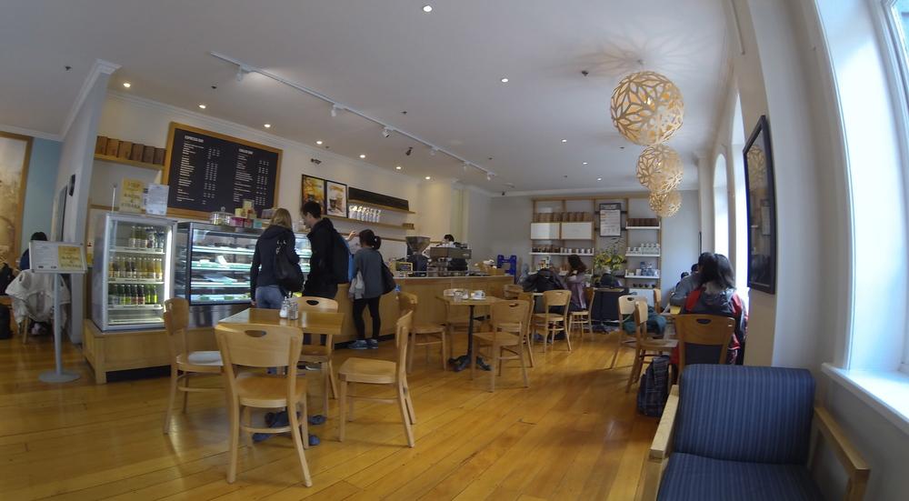 Gloria Jeans Café
