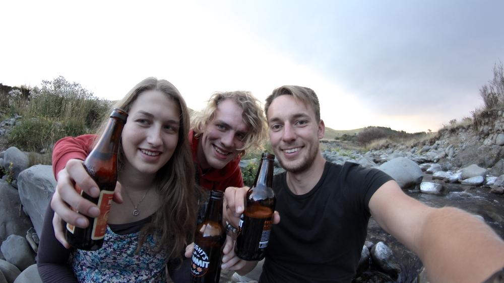 Prost at Waihi gorge - auf zweieinhalb Wochen mit Thorben und Verena =)
