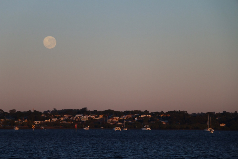 Moonset over BNE