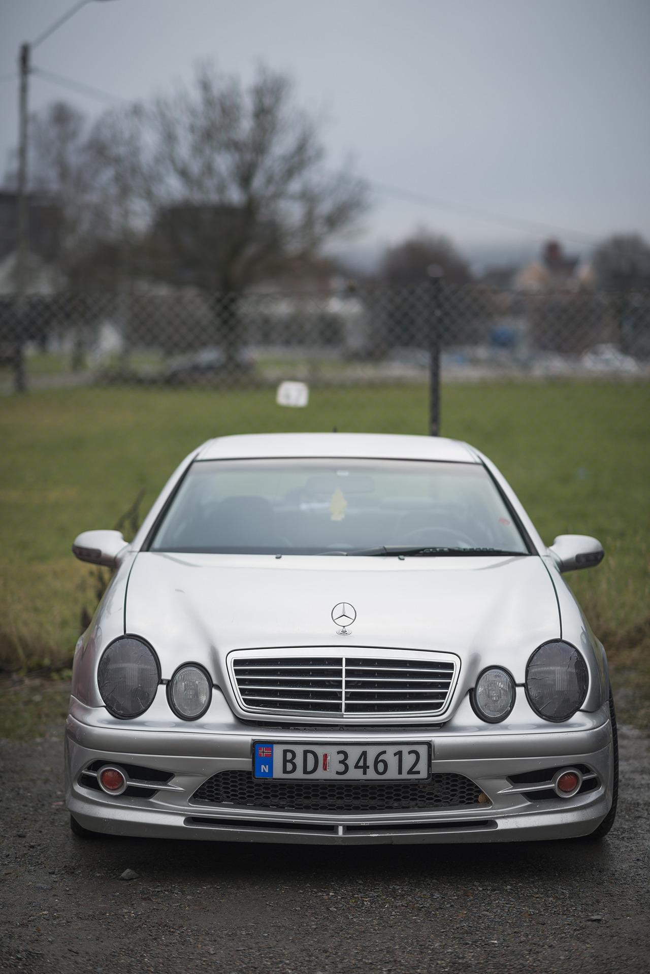 Mercedes, 303/366.