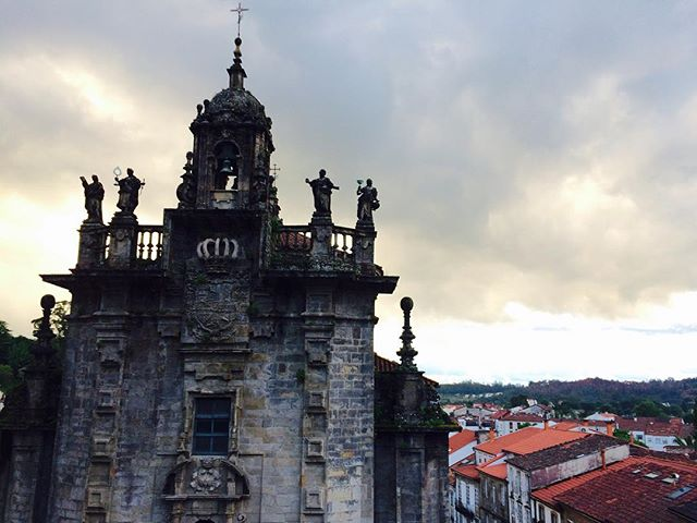 Walked 40 km through a tunnel of rain and green and birds to arrive in Santiago de Compostela on my 40th day of walking. The sky cracked open as we walked into the city. Total km: 890 (553 miles) #camino #spain #walking