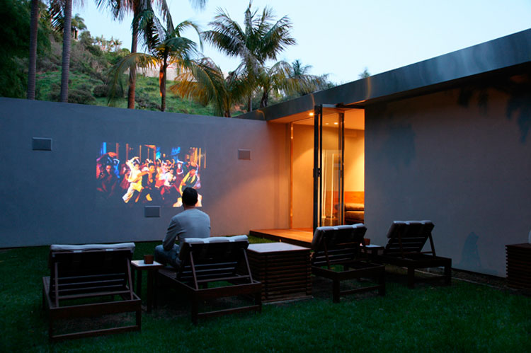 From Los Angeles, California, USA, Evan says: Watching a film alfresco  724 members have recently added their Watching a film alfresco to Evan's lifestyle compilation