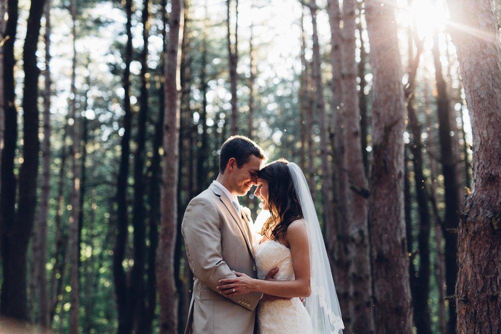 Cassei-Josh-Teigen-Shadow-Shine-Pictures-Grand-Rapids-Wedding-Photographers