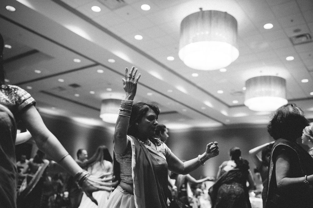 Aparna-Ankit-Patel-Shah-Detroit-Michigan-Shadow-Shine-Pictures-Photography-Indian-Garba-Raas