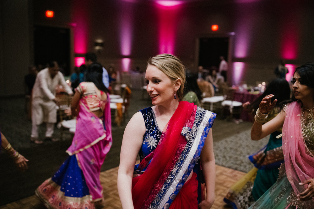 Aparna-Ankit-Patel-Shah-Detroit-Michigan-Shadow-Shine-Pictures-Photography-Indian-Garba-Raas-Wedding
