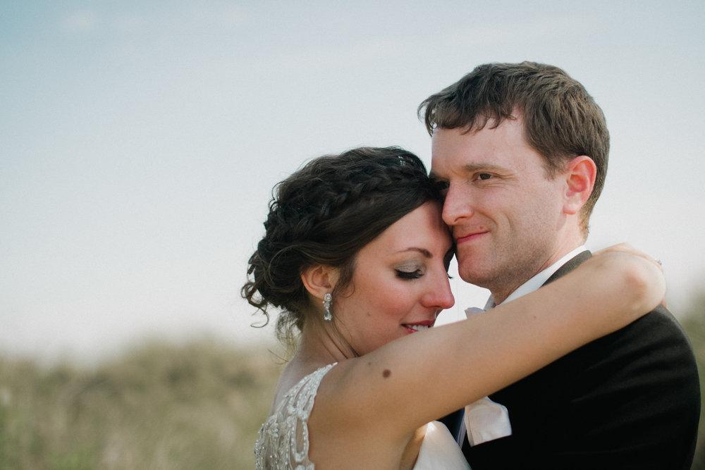 Mid-West-Grand-Rapids-Saint-Joseph-Michigan-Videography-Wedding-Trailer-Kayla-Paul-Andres