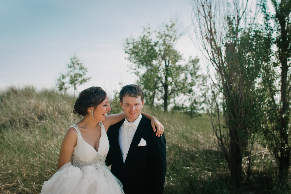 Photography-Chicago-Michigan-Mid-West-Wedding-Trailer-Kayla-Paul-Andres