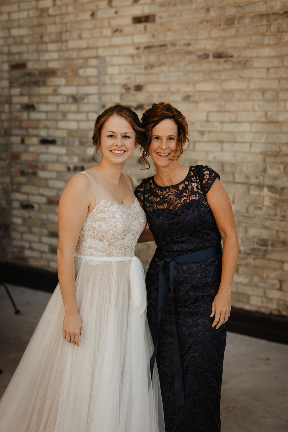 Mom&Bride-Family-Wedding-Photo-01