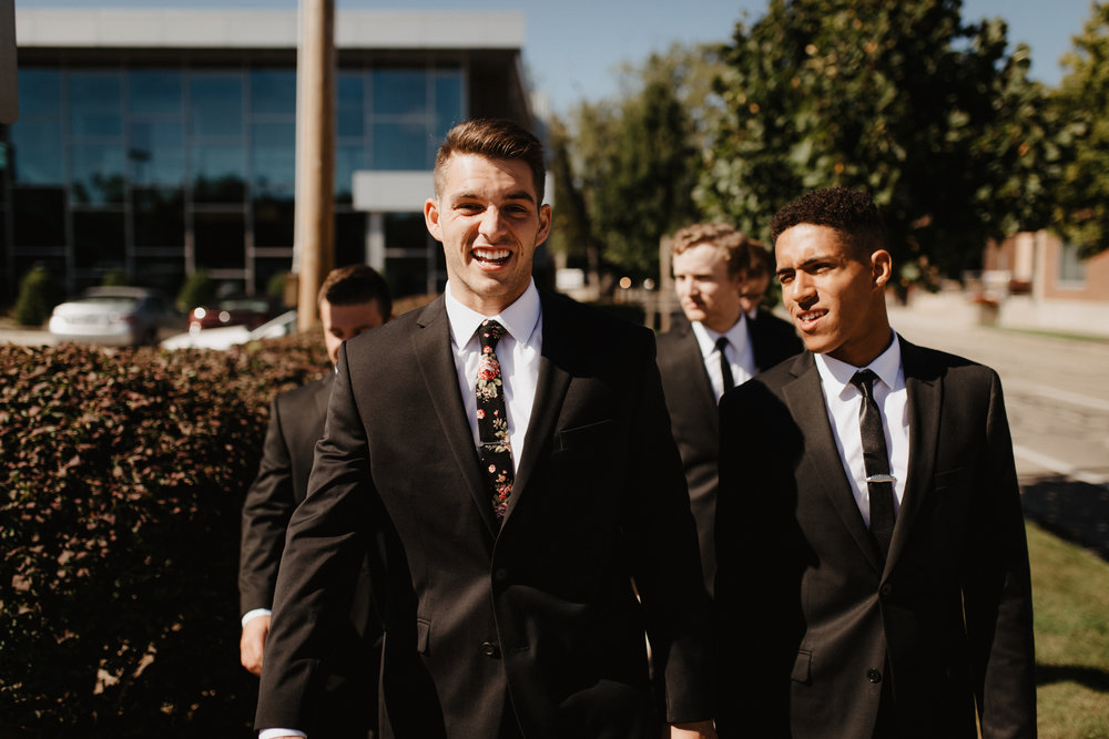 Urban-Forest-Groomsmen-Photos-01