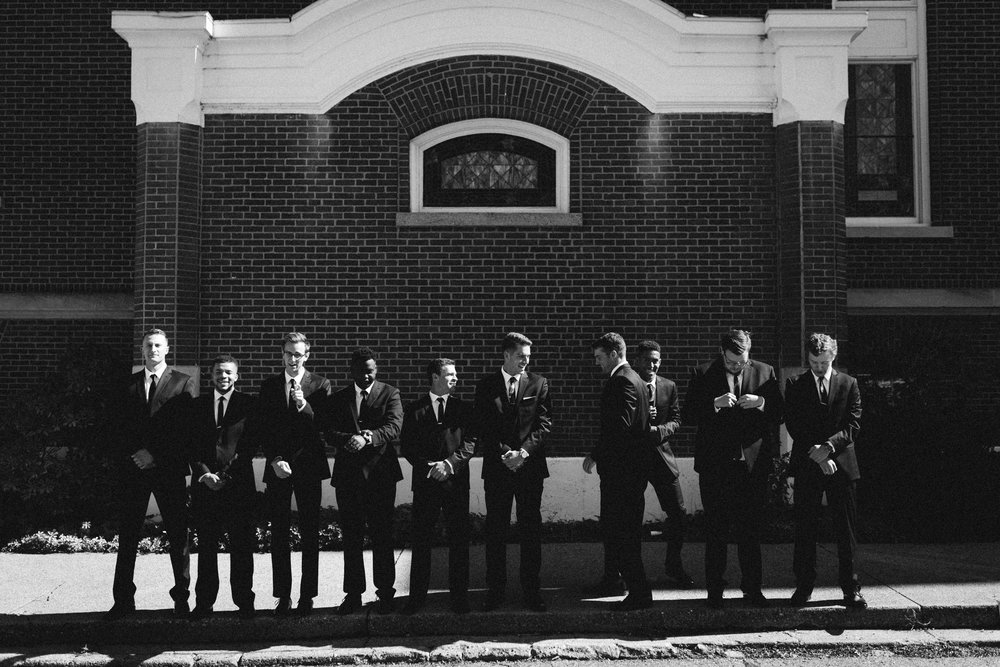 Gritty-Groomsmen-Cityscape-Photos-01