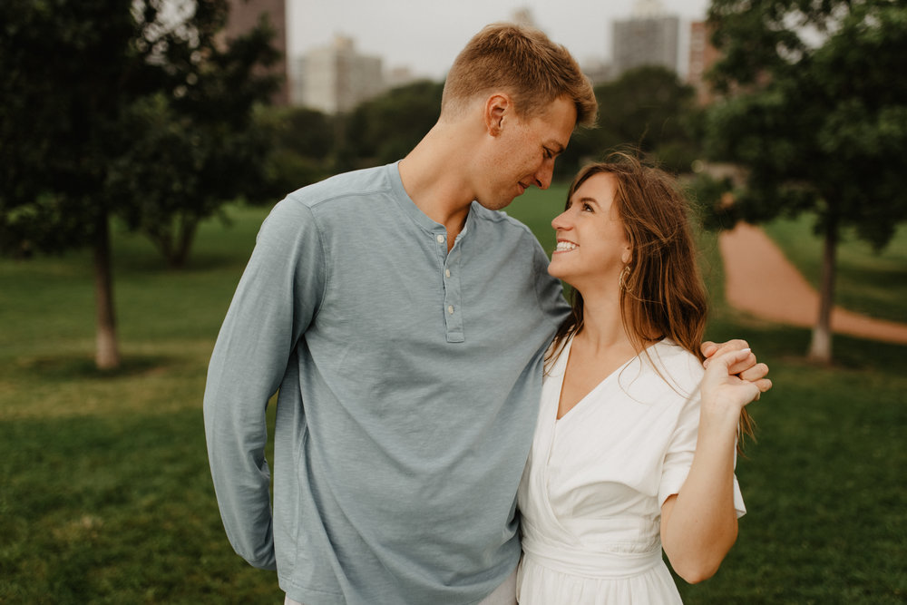Taryn-Zak-Chicago-Engagement-10