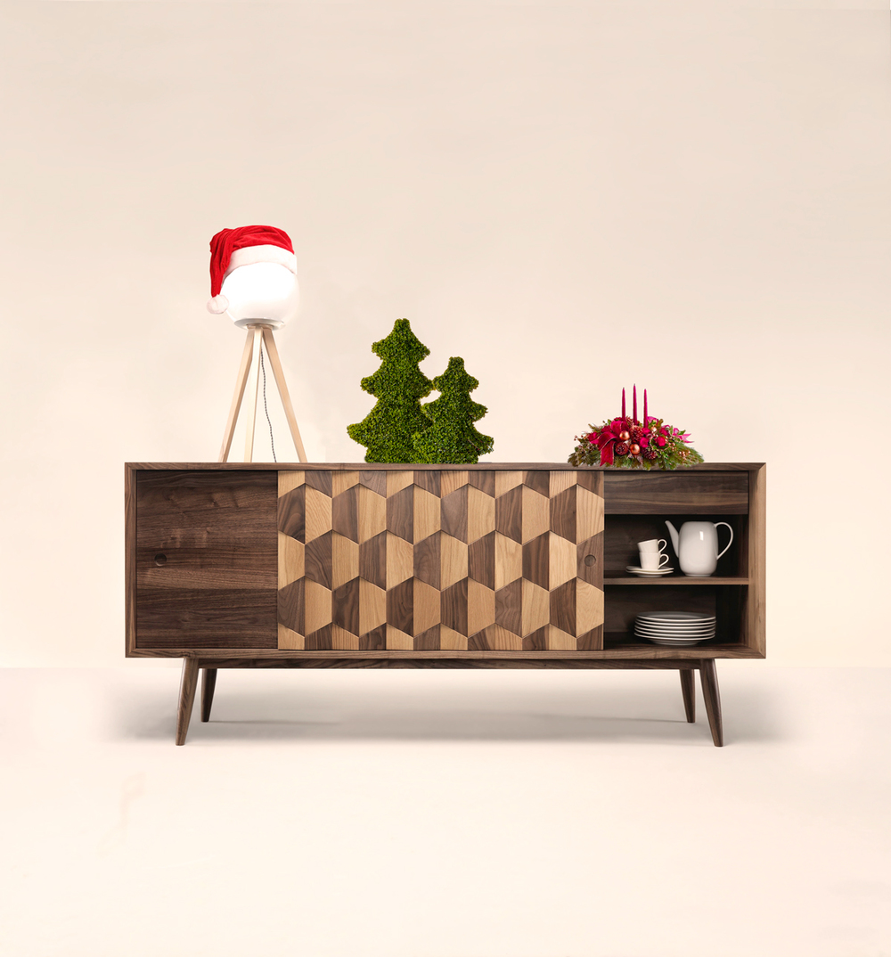 If you are looking for a new sideboard to match to your dining room this Christmas, SCARPA W is the perfect piece, offering an unique design and sophistication. A timeless piece that will fill your Christmas!