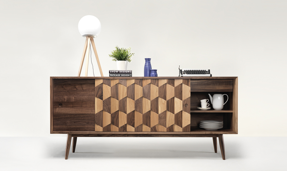 This sideboard blends the appeal of walnut wood with the lighter details in oak.