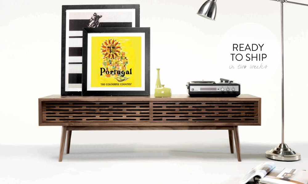 RADIO is a versatile and functional TV cabinet with an exclusive design which emphasis the woodwork of craftsmen.
