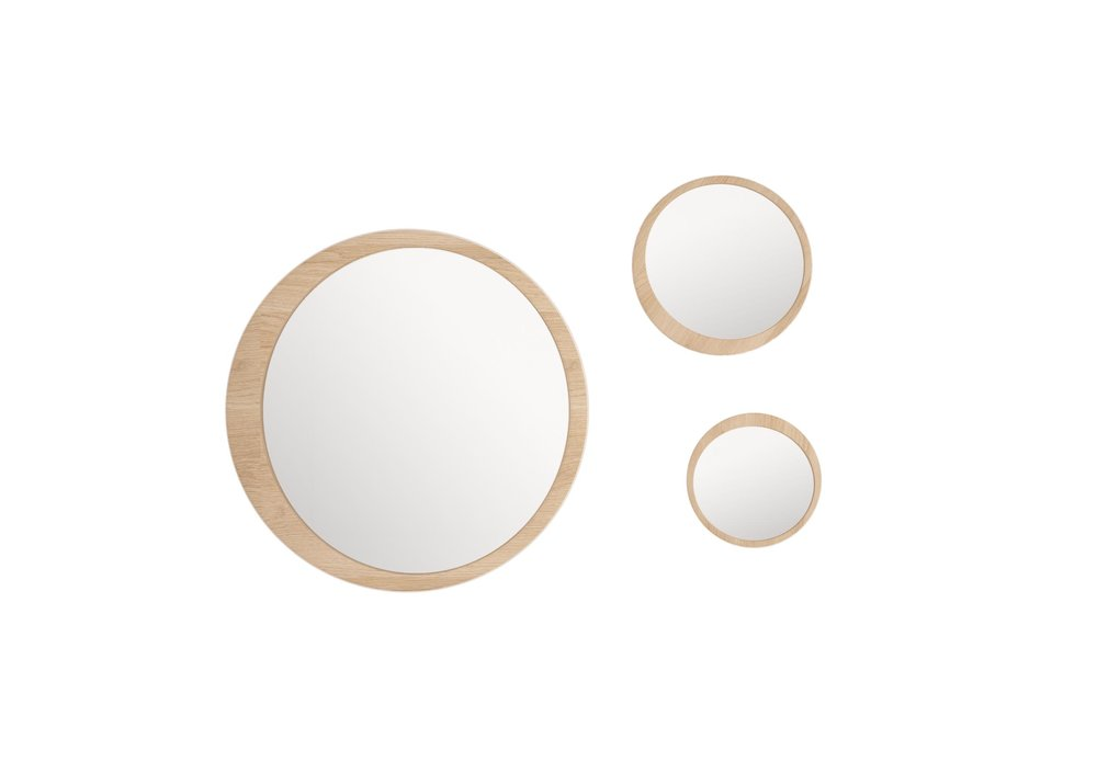 LUNA mirror is earthy yet modern and would look great over the sideboard for when you really want to make a statement.