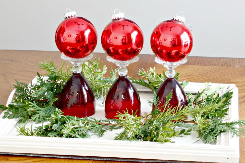 free christmas centerpiece red goblets 2jpg
