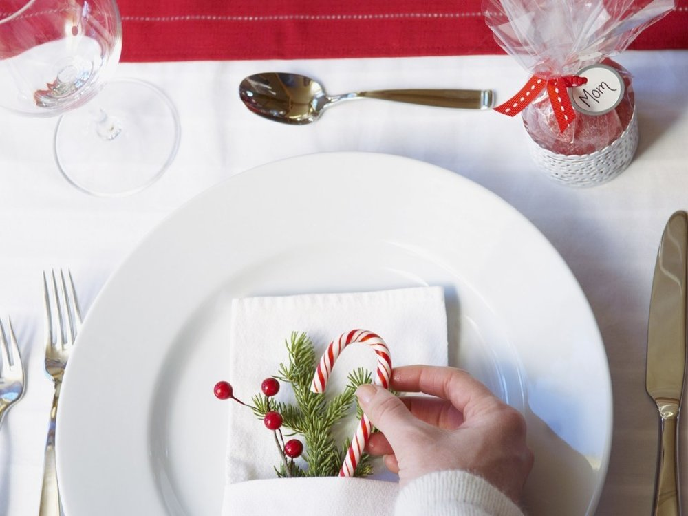 incridible-adorable-christmas-table-decorations-at-christmas-table-ideas.jpg