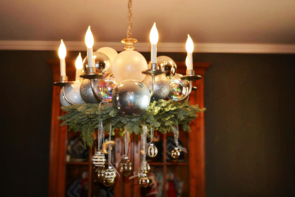 christmas decorating ideas chandeliersjpg - How To Decorate A Chandelier For Christmas