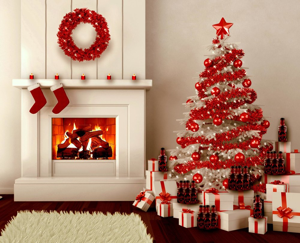 Red-Christmas-Tree-Decorations-2.jpg