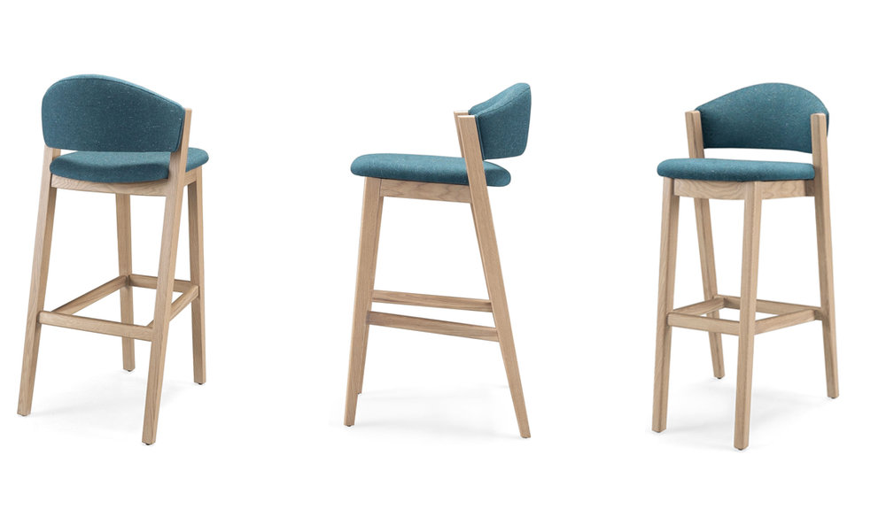 Elegant and very comfortable, Caravela bar stool is perfect for restaurants and bars.